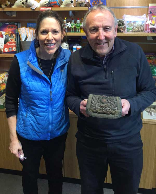 Ida Alleman presents pouch to Mick for web